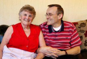 Demencja: 82-letnia kobieta odzyskuje pamięć po zmianie diety.